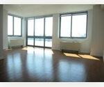 QUEENS Long Island City, Astoira - **8 Minutes to Manhattan**WATERFRONT FULL SERVICE BUILDING Outstanding 1 Bed/1 Bath $2695