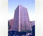 Upper West Side/Lincoln Square. Spacious 1 bedroom/1.5 bath/Convertible 2