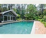 SOUTHAMPTON STYLISH 3 BEDROOM WITH POOL AND POOLHOUSE