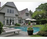 STYLISH BRIDGEHAMPTON VILLAGE HOME WITH POOL