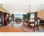 Large Penthouse-Convertible 2 with 2 full Baths! In a new luxury condo building with full view of Manhattan's Skyline, Parking included!