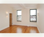 UPPER WESTSIDE****PRISTINE TWO BEDROOM****CONDO FINISHES, DESIGNER KITCHEN