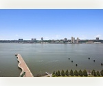 Corner 3 BR/2.5 bath with stunning river views
